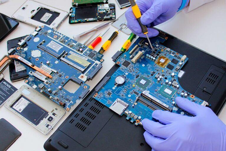 Послуги з ремонту ноутбуків